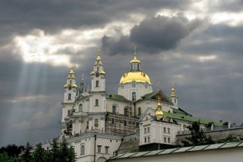 """На релігійному грунті в Україні може відкритися """"другий фронт"""": війна між КП і МП"""